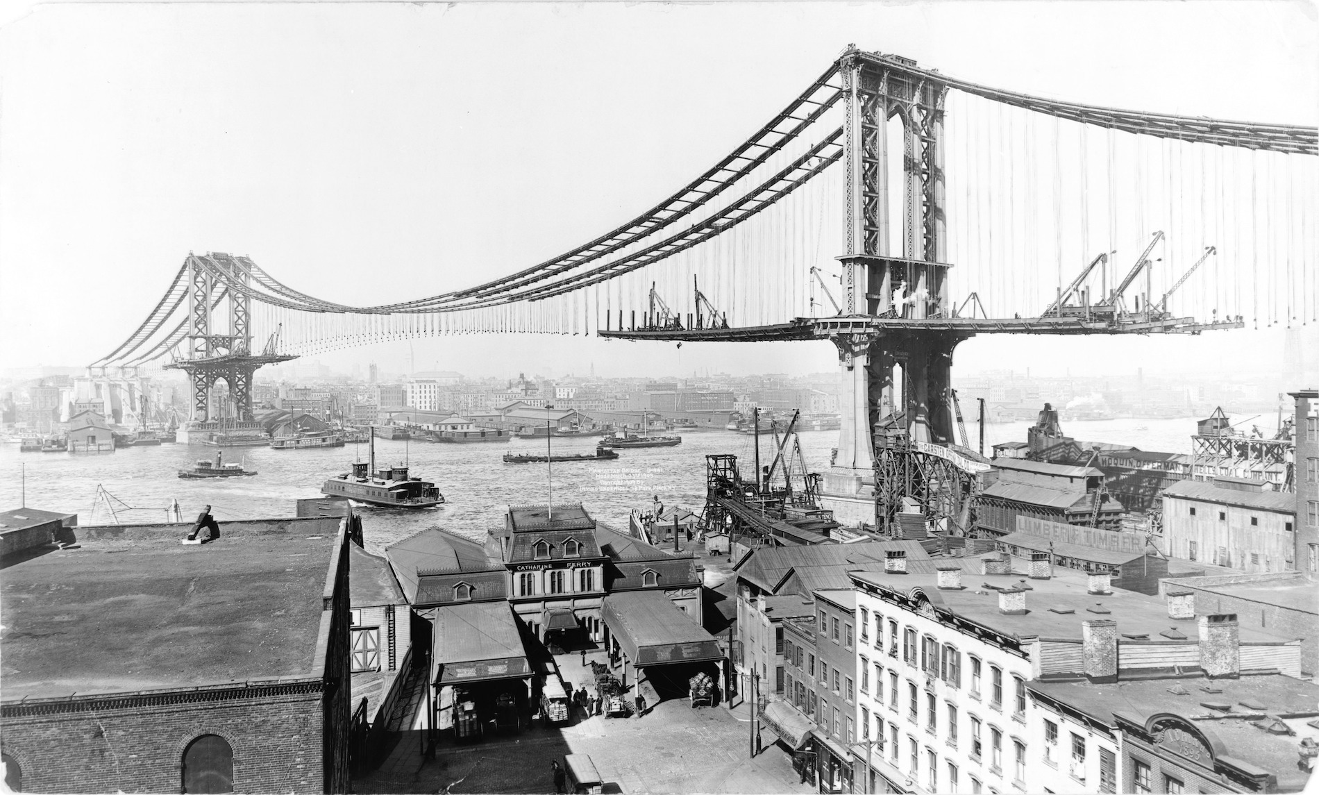 Manhattan Bridge under construction-1909