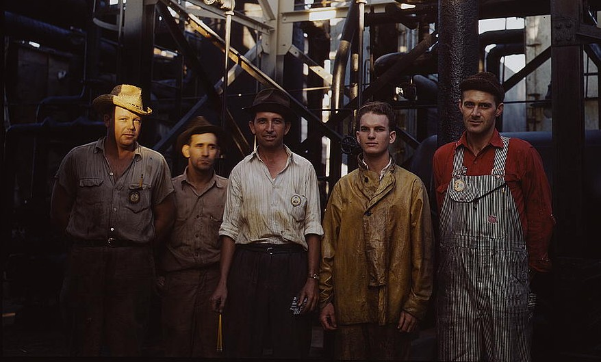 Employees at Mid-Continent Refinery [ca. 1943 Tulsa, OK (LOC). By John Vachon]