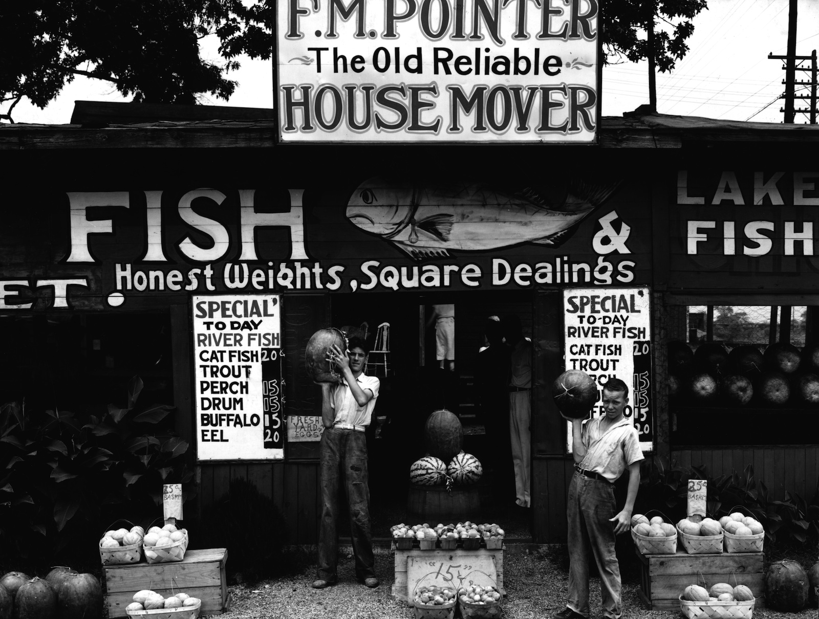 Roadside stand near Birmingham Alabama (1936). FSA photograph by Walker Evans. Via Library of Congress collection.